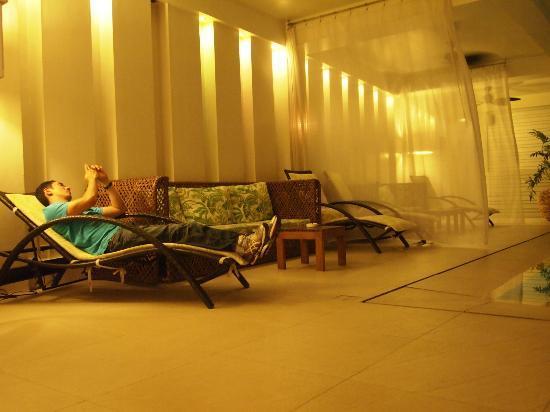 The Sugarland Hotel: pool area