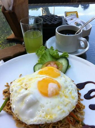 Putu Bali Villa and Spa: Nasi Goreng for Breakfast