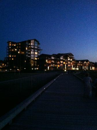 Beach Club Resort: the resort from the beach side boardwalk