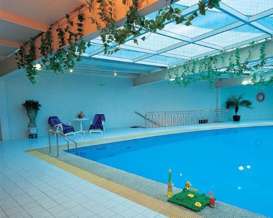 Jingmin Central Hotel: Pool