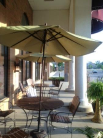 Stevens': Outdoor seating available
