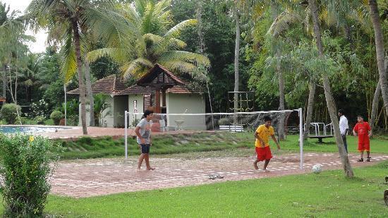 Club Mahindra Kumarakom: Badminton court