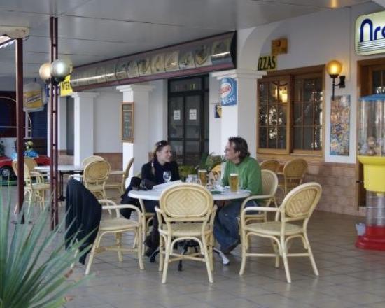 Arcomar Apartments: Slice