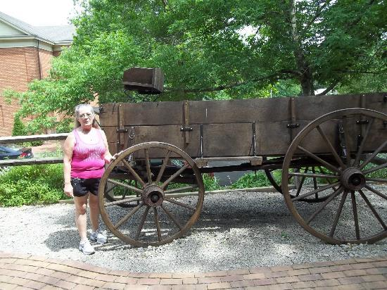 Historic Roscoe Village: 17th century station wagon
