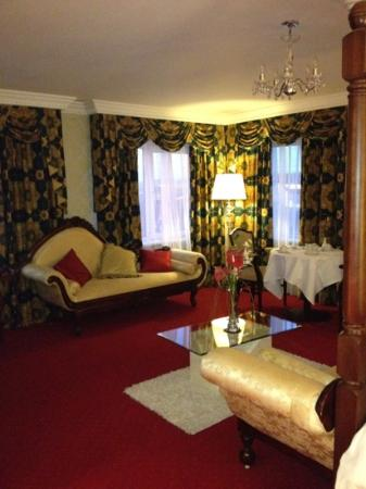 Clanree Hotel: the suite
