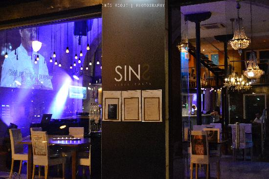 SINS - Restaurante|Bar
