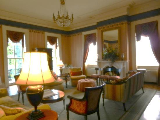John Rutledge House Inn: Room for afternoon tea