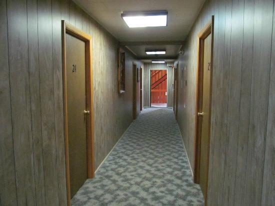 Blackthorne Resort: Common Hallway