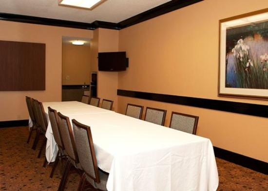 Econo Lodge Inn & Suites: ALEconolodge Meeting Room Proofs