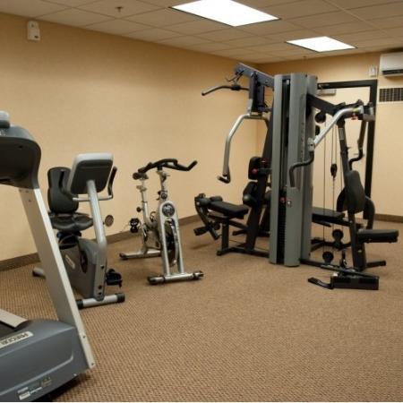 Grand Hotel At Bridgeport: Grand Hotel Exercise Room