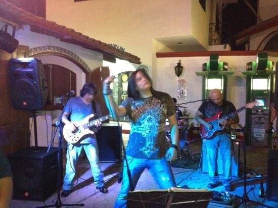 Rips Bar : Azteca band!!! incredible!!