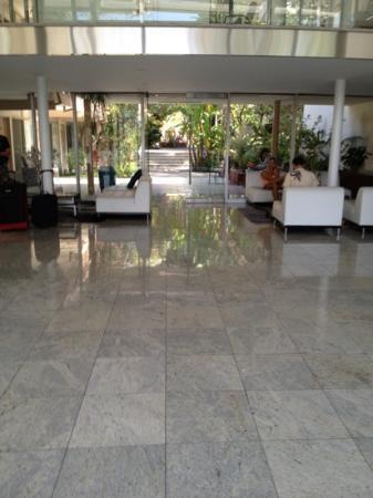Highland Gardens Hotel: lobby