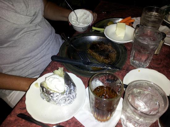 WIEDERHOLT'S SUPPER CLUB: Steak and other goodies