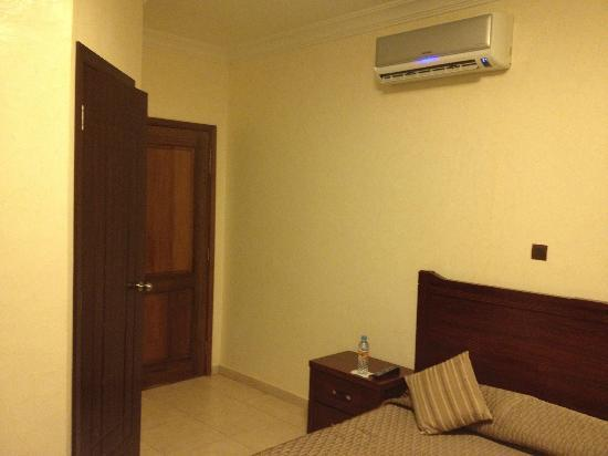 Residence IMAN: AC unit over the bed