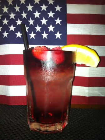 Drift Away : Blueberry lemonade.... all natural.  Let's hear it for America!