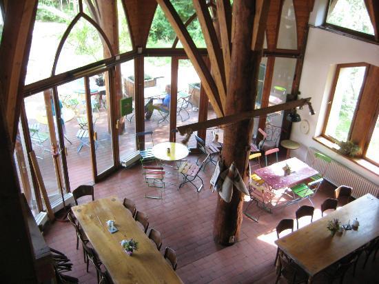 Naturata: Ausblick von der Galerie in den Restaurantbereich