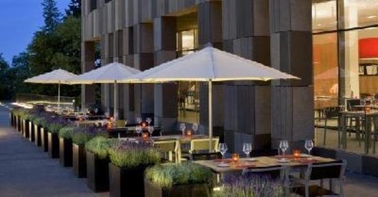 Melia Luxembourg : Aqua Restaurant Terrace