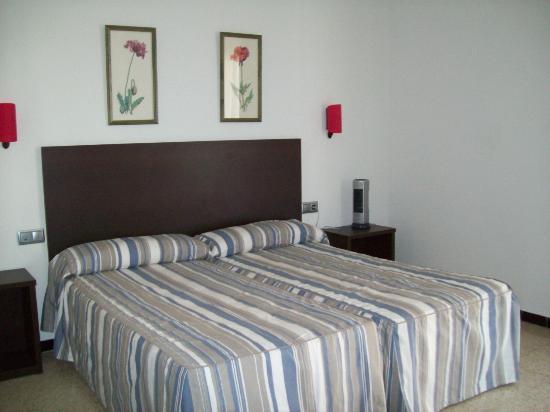 Mar Blau Tossa Hotel: Habitación de 2 camas superior