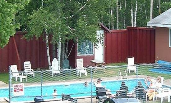 The Clansman Motel: Pool View