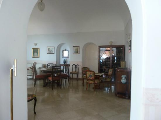Hotel San Michele : One of several rooms in lobby area