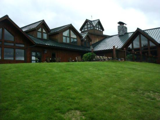 Mt. McKinley Princess Wilderness Lodge: Rear of main lodge