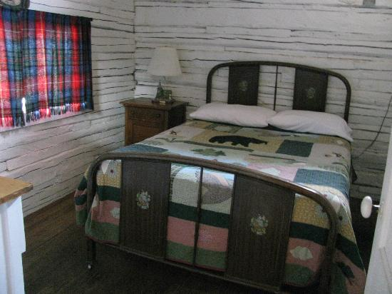Thronson's General Store and Motel : Bedroom #3