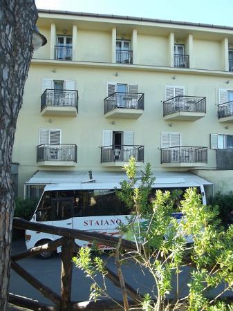 Hotel O Sole Mio: l'hôtel vue de dehors