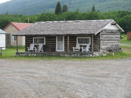 Babb, MT: Cabin