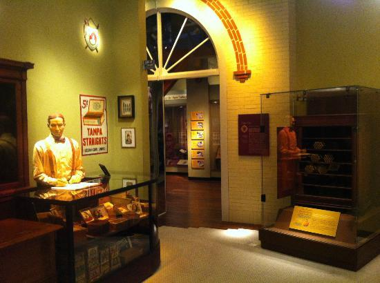 Tampa Bay History Center: Old time tobacco shop