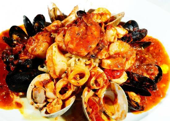 Blue Water Seafood : Seafood Fra Diavolo