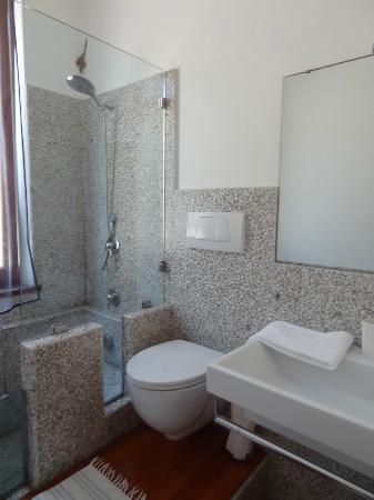 Arpaiu : Bathroom Mea Room