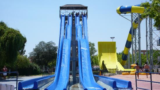 Aquopolis Villanueva de la Canada : A ... saltar!