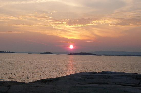 Killarney Provincial Park: Sunset from Solomons islands