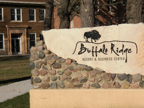 Buffalo Ridge Resort and Business Center : Resort Signage