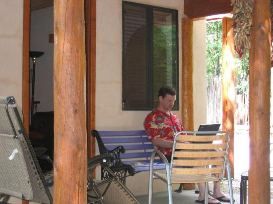 Burch Street Casitas Hotel: Porch at Casita D
