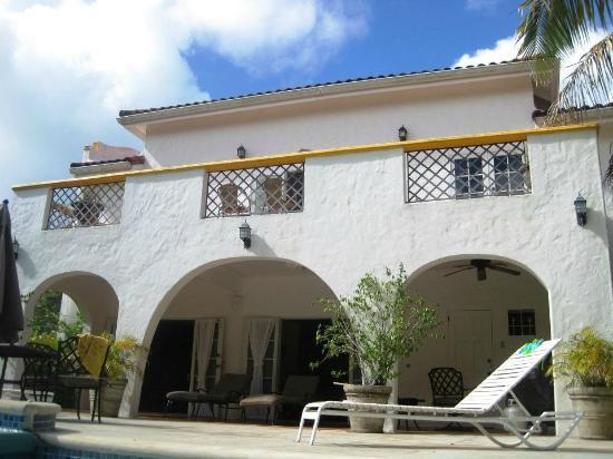 Coral Sea Villas: back of villa, pool area
