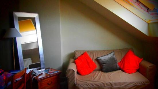 YENN b&b: living room below loft bedroom (Elias)
