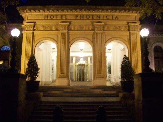 Hotel Phoenicia: Front