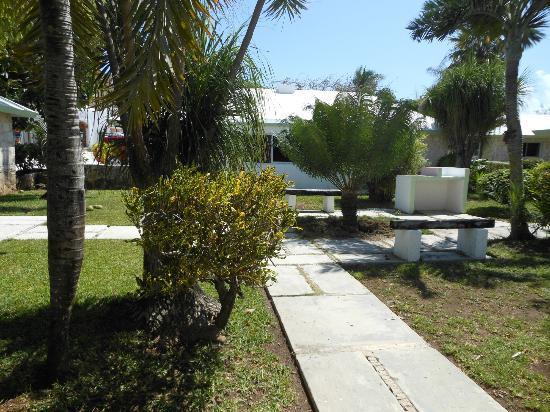 Hotel Akumal Caribe: Bungalow courtyard