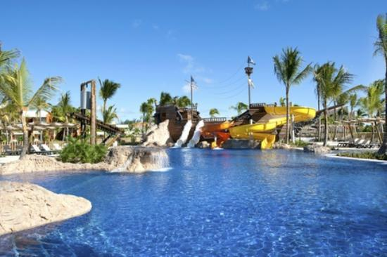 pirates island water park picture of barcelo bavaro. Black Bedroom Furniture Sets. Home Design Ideas