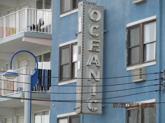 Oceanic Hotel: Front view