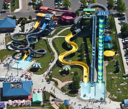 Roaring Springs Waterpark 사진