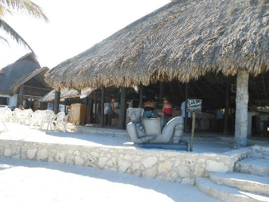 Hotel Akumal Caribe : Lol Ha Snack Bar from the beach