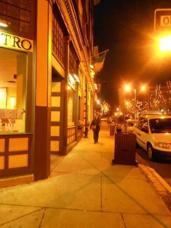 Cafe Kushco: Washington St.