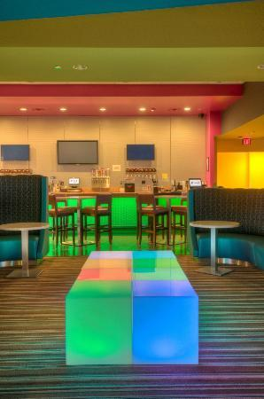 Pinz Bowling Center: Pinz Bar