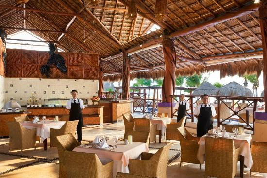 Excellence Riviera Cancun: The Grill Restaurant