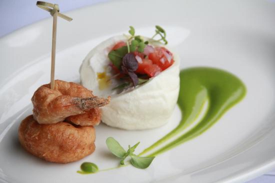 Broken English: Burrata, prawns in tempura and zucchini sauce