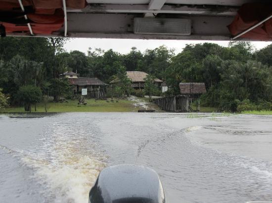 Museu do Seringal Vila Paraiso: Museu visto do rio