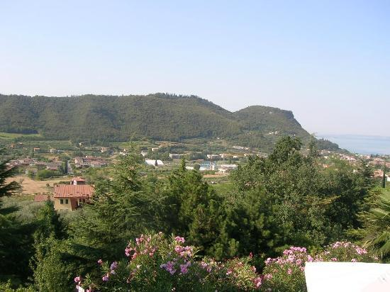 Hotel Panorama: Vue de Garda du haut de notre hôtel