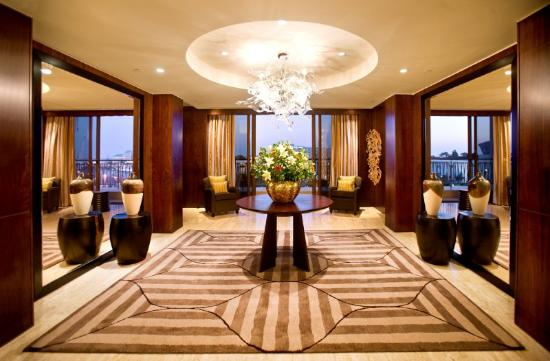One&Only Cape Town: Presidential Suite Entrance